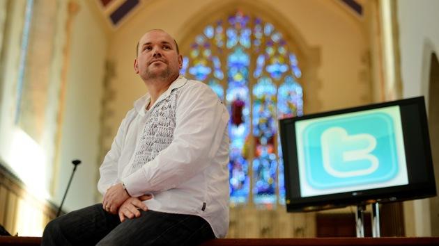 Iglesia anglicana alienta a los fieles a tuitear