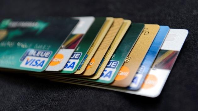 Con el dinero en efectivo tocando fondo, ¿llegará el fin del uso de tarjetas?