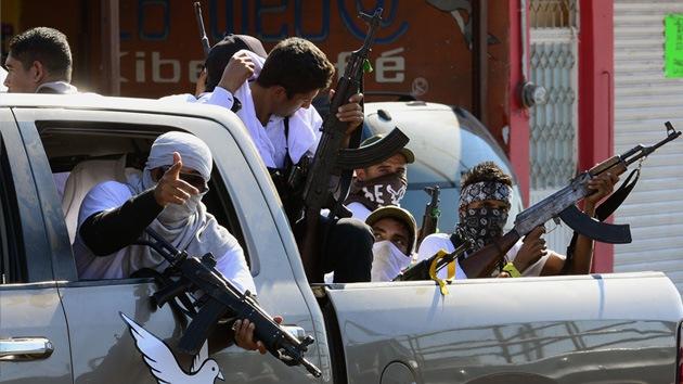 México: Violentos enfrentamientos entre grupos de autodefensas y 'narcos'
