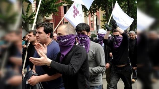 """""""Mijaíl se irá"""", lema que marca las manifestaciones en Georgia"""