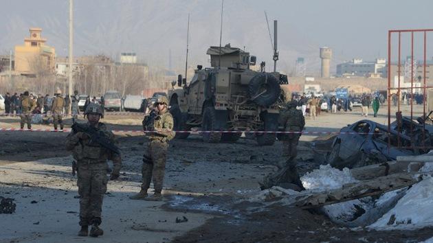 EE.UU. renueva contratos para Afganistán con empresas que le intentaron 'engañar'