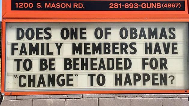 Polémica en EE.UU.: Cartel cuestiona si los Obama deberían ser decapitados