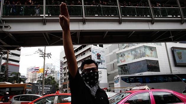 Fotos Tailandia Protesta Con Tres Dedos En Alto Al Estilo De Los