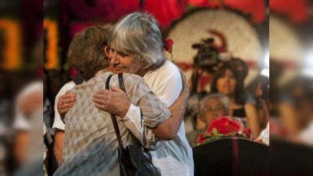 Velatorio multitudinario para despedir a Victor Jara