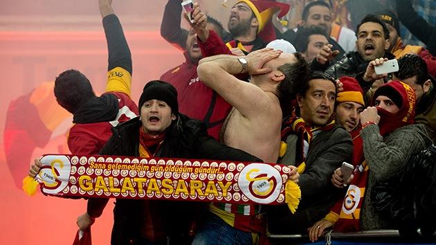 Hinchas del Galatasaray intentaron excavar un túnel para ver el partido