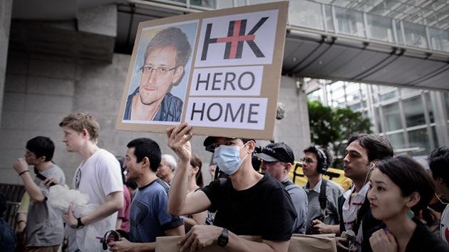 """Padre de Snowden: """"Preferiría que mi hijo fuese un preso en EE.UU."""""""