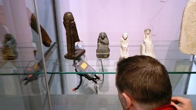 Resuelven el enigma de la estatua egipcia que giraba sola