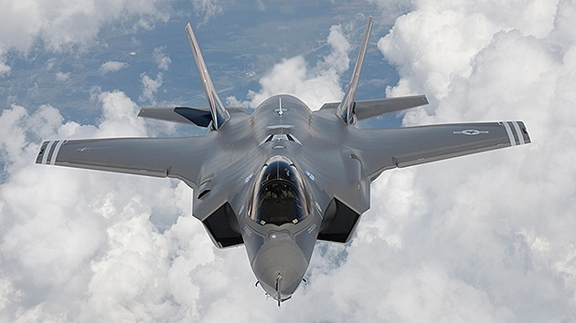 Cancillería de Siria: EE.UU. nos informó que bombardeará al EI en el país durante 3 años