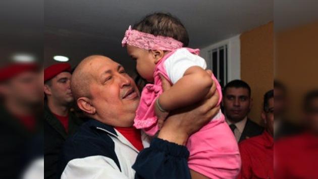 Chávez encabeza la entrega de viviendas a damnificados