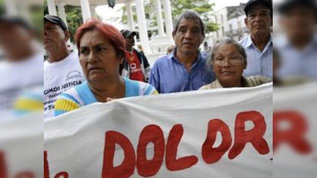 Cientos de panameños exigen que España rinda cuentas por el caso del jarabe envenenado