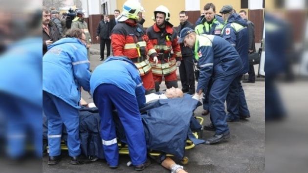 Publican listas de las víctimas de las explosiones en el metro moscovita