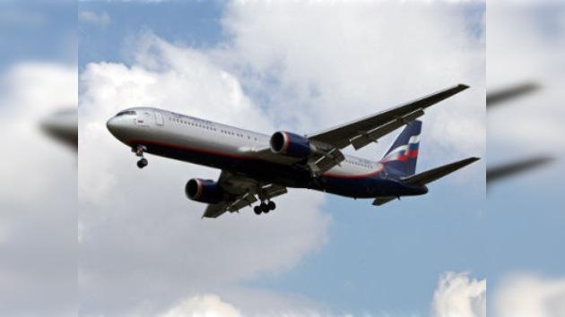 Ataques de gamberros a los aviones rusos no cesan
