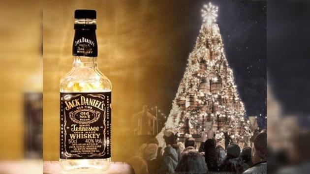 Un 'árbol navideño' de barriles de whisky para potenciar su bebida