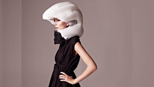 Video: Crean un casco inflable para ciclistas