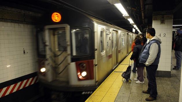 """""""Derrote a la yihad"""": lanzan una provocativa campaña en el metro de Nueva York"""