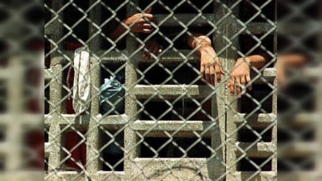 "Chávez promete ""humanizar"" las cárceles de Venezuela"
