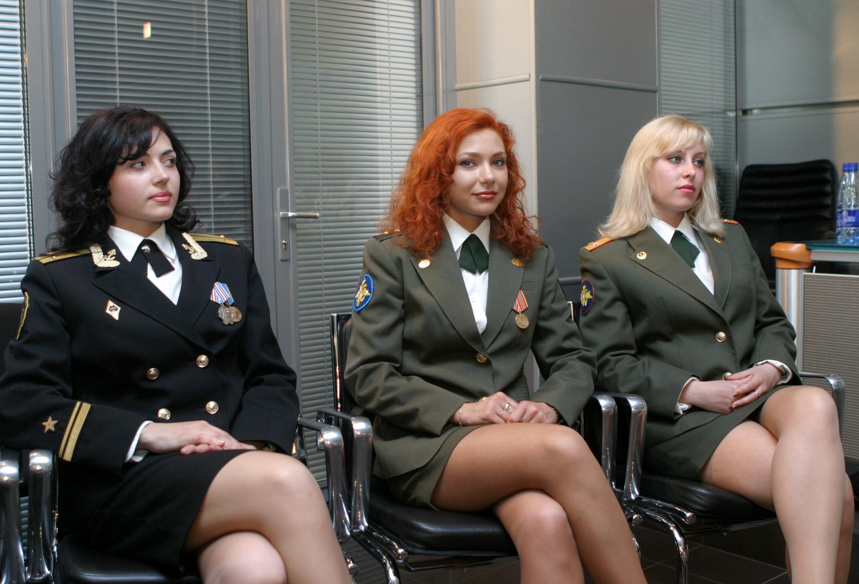 Русская милиционерша раздевается, Полицейские порно, смотреть секс в Полиции видео 18 фотография