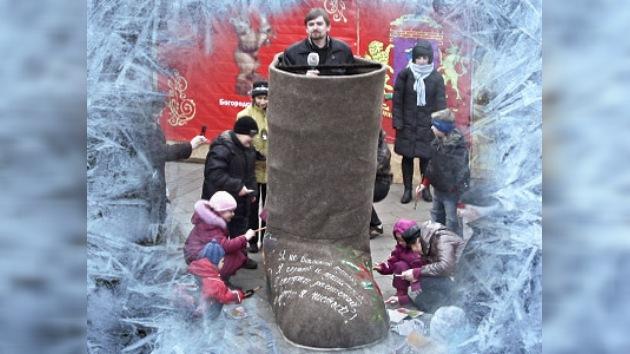 Un ruso tarda 8 meses en hacer una bota de talla 130