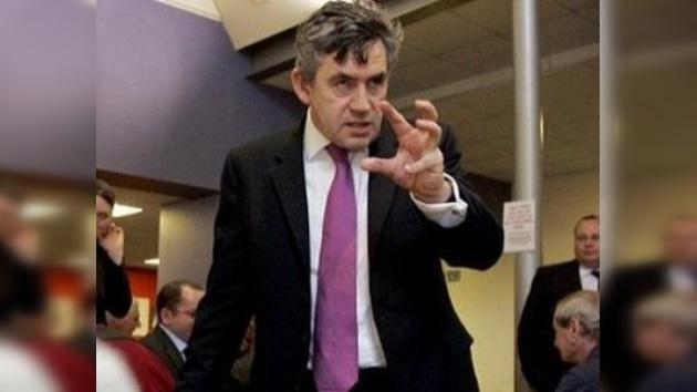 Gordon Brown rechaza las acusaciones de maltratos a sus subordinados