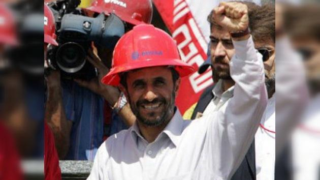 El presidente iraní se retira de la cartera de Petróleo, presionado por el parlamento
