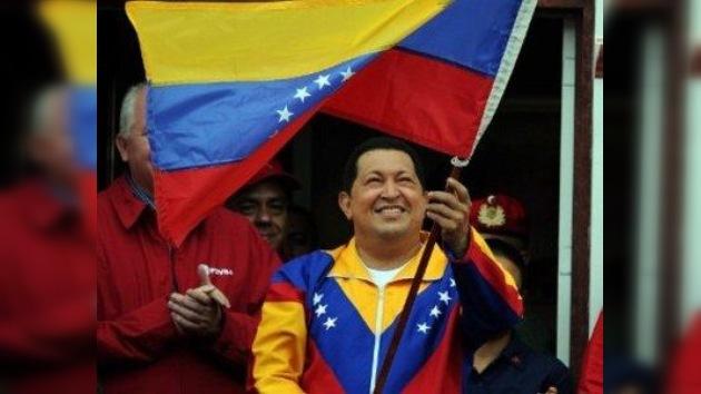 """Chávez reaparece pletórico de energía y de ritmo: """"este cáncer no podrá tampoco conmigo"""""""
