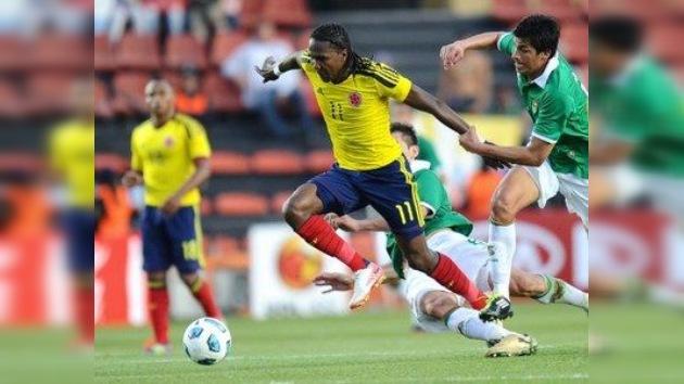 Falcao mete a Colombia en cuartos con sus dos goles ante Bolivia
