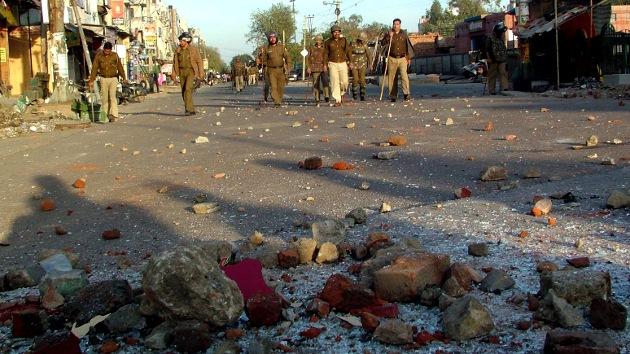 Video: Disturbios en Nueva Delhi por la violación de una niña de siete años
