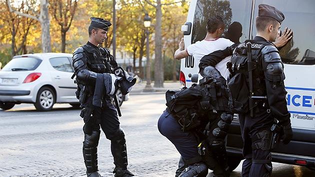 Detienen a cien musulmanes en París por protestar junto a la embajada de EE.UU.