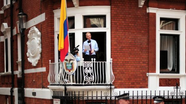 """Assange sobre su vida en la embajada de Ecuador: """"Es un poco como estar en una estación espacial"""""""