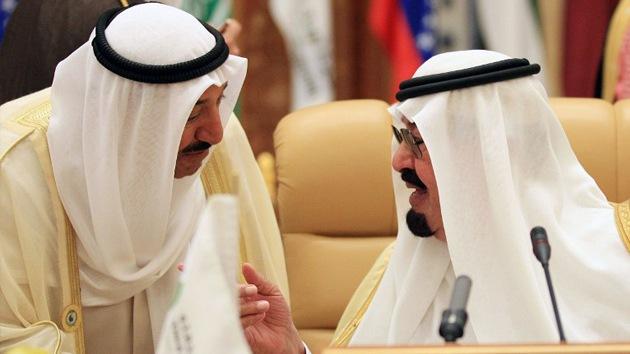 Precios bajos del petróleo como plan de Arabia Saudita contra Irán e Irak