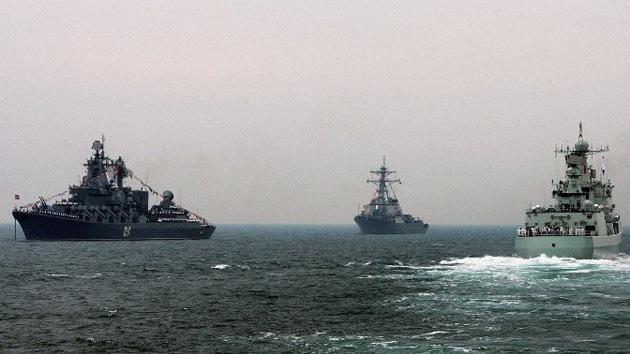 Buques de guerra chinos completan una vuelta alrededor de Japón