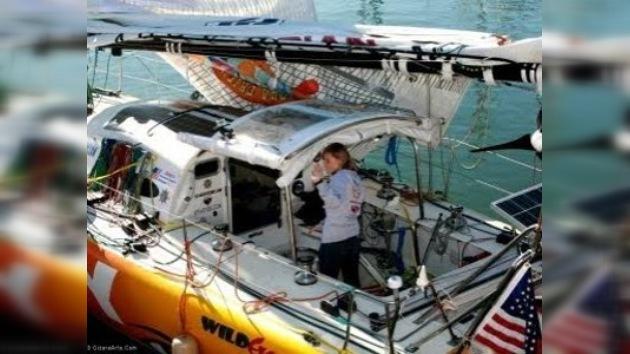 Chica de 16 años zarpa de California para dar la vuelta al mundo en barco