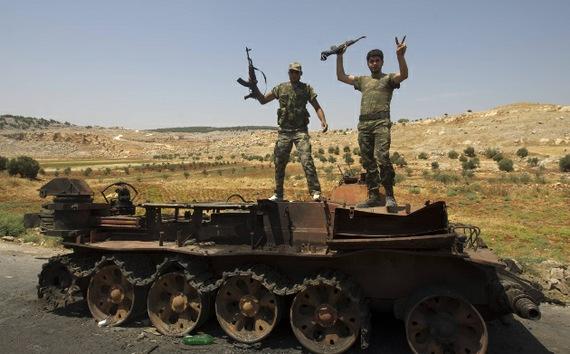 EE.UU. autoriza el apoyo financiero a los insurgentes sirios