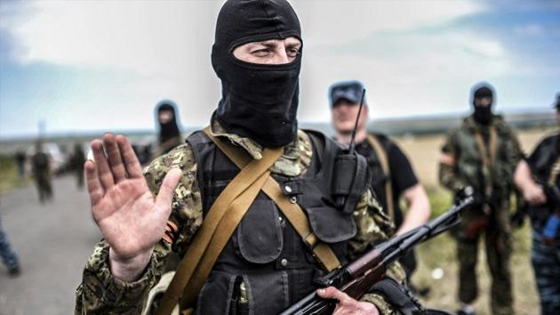 Donetsk acuerda declarar una tregua en un radio de 40 kilómetros de donde cayó el MH17