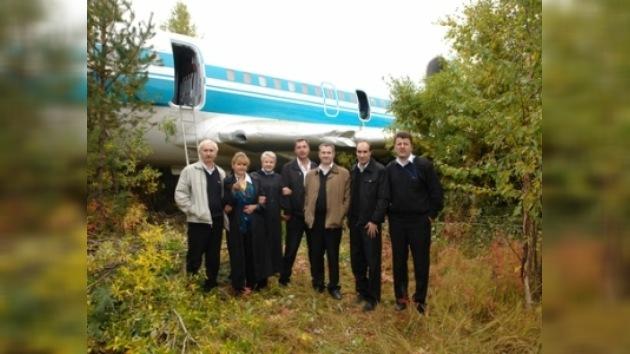 Galardonaron a los pilotos que aterrizaron un Tu-154 en el bosque