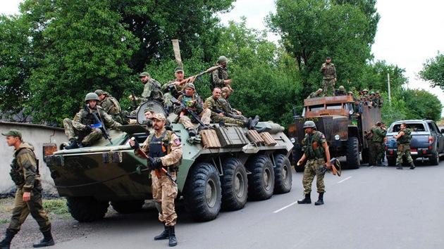 """'Le Monde' buscaba al """"ejército fantasma ruso"""" pero halló a muchos europeos en el este de Ucrania"""