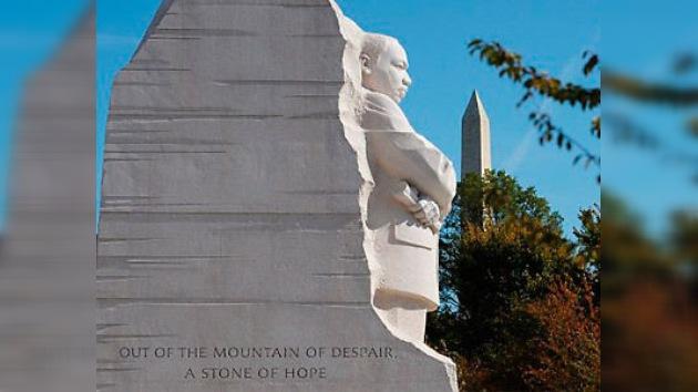 """Obama evoca a Luther King para calmar la calle: """"él no habría demonizado todo Wall Street"""""""