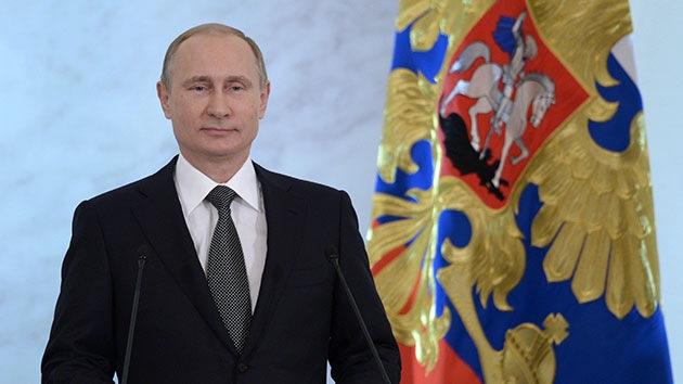 Putin cree apropiado que Rusia e India efectúen transacciones en sus monedas