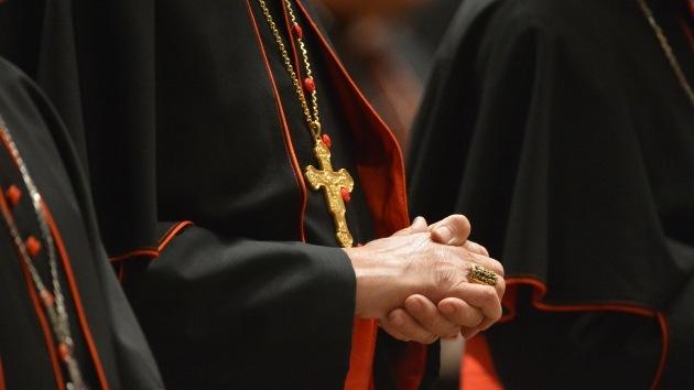 Escándalo en Roma: acusan a prelados de 'comprar' menores por 150-500 euros
