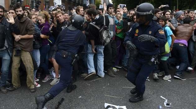 Madrid espera más violencia: La Policía toma fuerza para reprimir a los 'indignados'