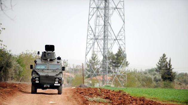 Turquía despliega armamento antiaéreo en la frontera con Siria