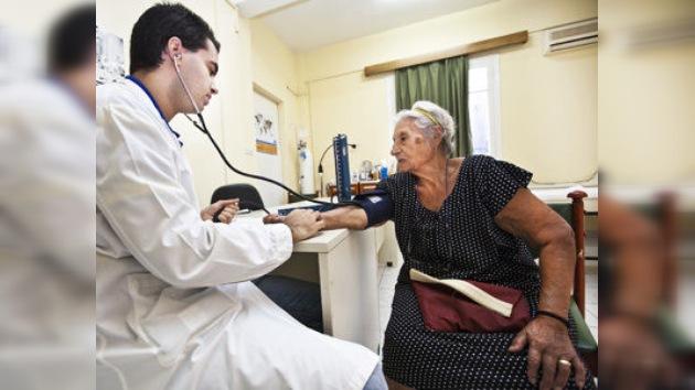 Los griegos, sin servicios médicos pero con más armas