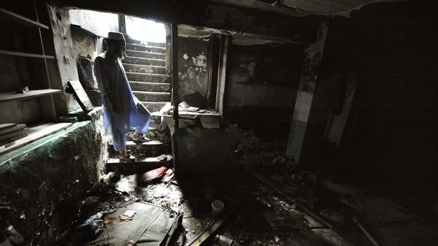 Secta 'musulmana' mantuvo a decenas de niños viviendo durante años bajo tierra