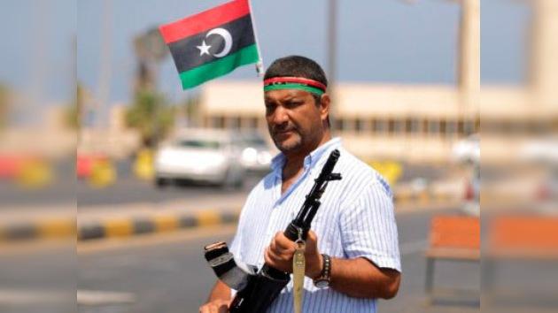 Cuba no reconoce al CNT y retira a sus diplomáticos de Libia