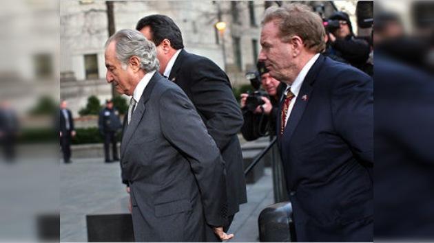 La hospitalización de Madoff se debió a una agresión en la cárcel