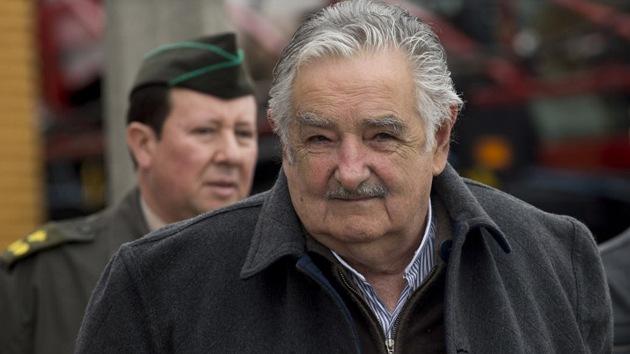 """Mendigo a Mujica: """"Quiero que seas presidente toda la vida"""" (VIDEO)"""