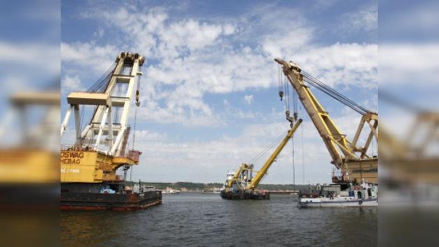La operación para reflotar la nave 'Bulgaria' llega a su ecuador