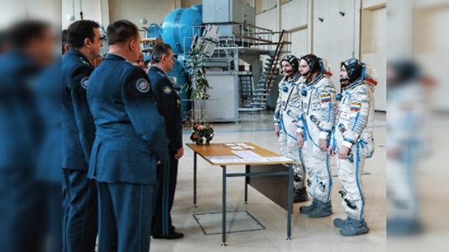 Últimas pruebas de los cosmonautas antes de volar a la EEI