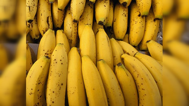 Descubren drogas en embalajes de plátanos en supermercados de España