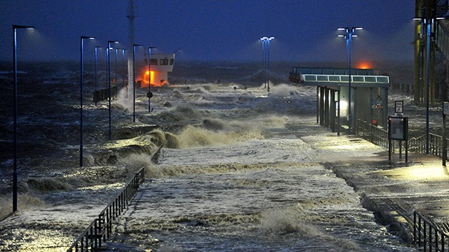 Fotos, Video: Huracán Xaver paraliza el norte de Europa y deja muertos
